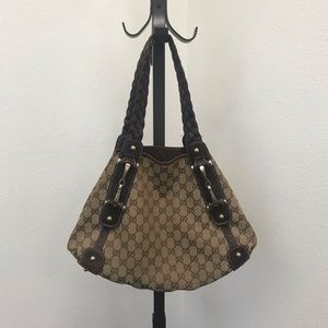 e5c79acbf765 Women Gucci Pelham Medium Shoulder Bag on Poshmark